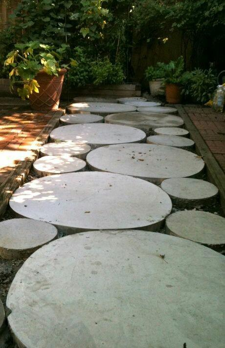 Landscape design forum diy concrete stepping stone path for Cement garden paths